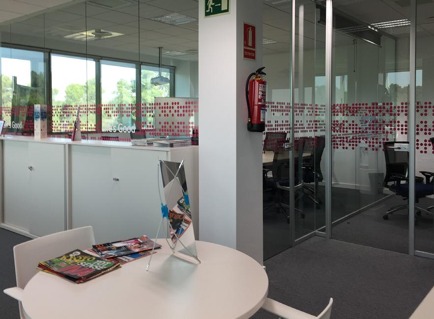 Reforma de sede corporativa en sant cugat for Oficinas edreams barcelona